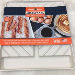 Nordic Ware Microwave Bacon Drain Away Pan NIB